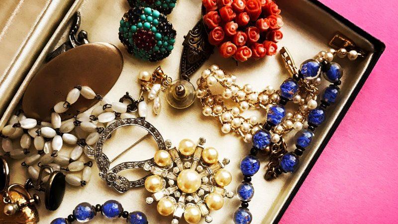Joyería vintage: moda de otros tiempos