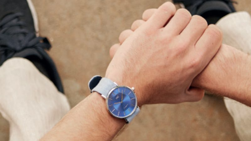 Descubre las características innovadoras del reloj Button Watch